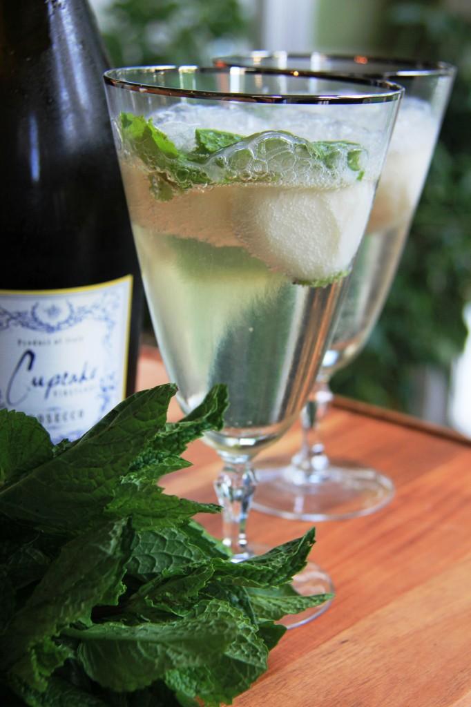 Lemon champagne cocktail