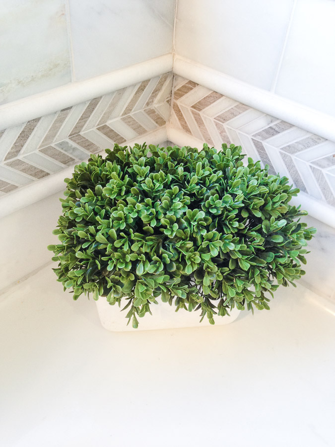 small bathroom remodel accent tile
