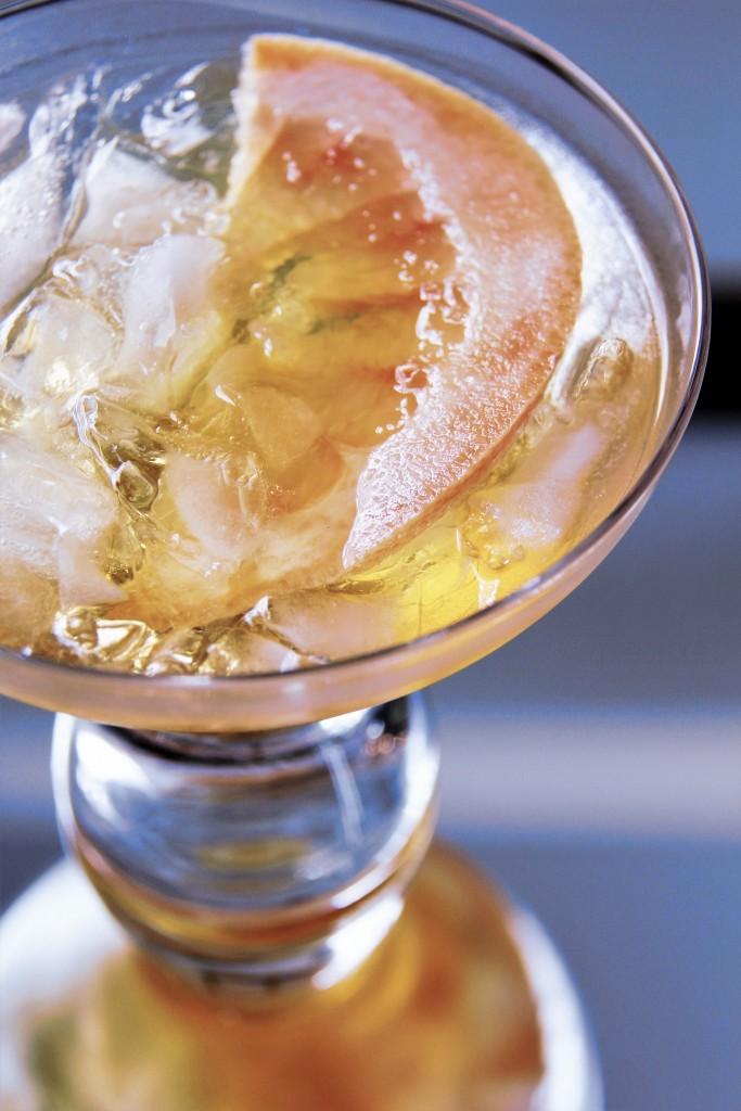 grapefruit bourbon cocktail 2