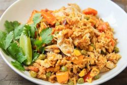 easy chicken and yellow rice recipe-10