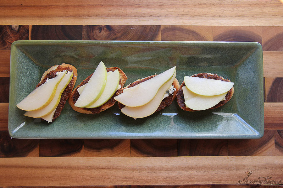 fig walnut crostini 5
