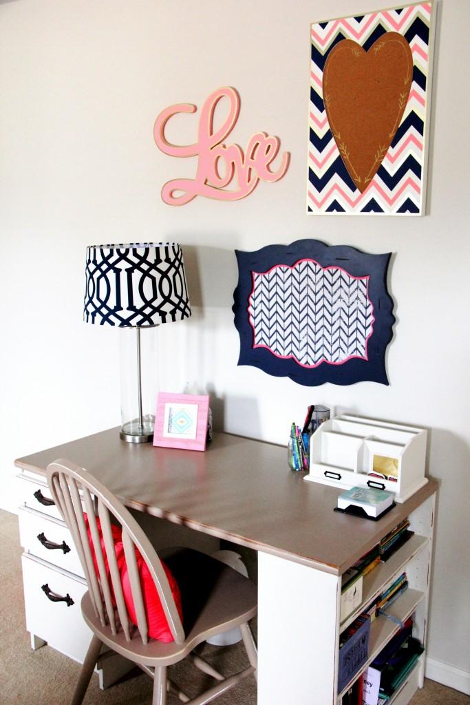 Fresh, Fun, & Vintage Desk Space