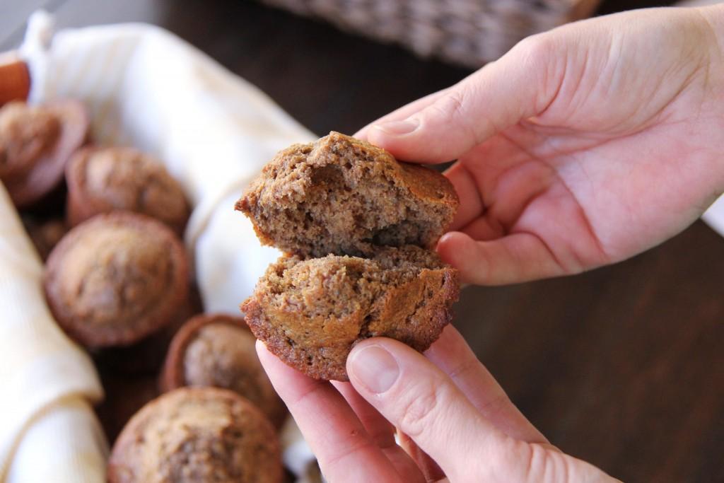 banana chia muffins 3