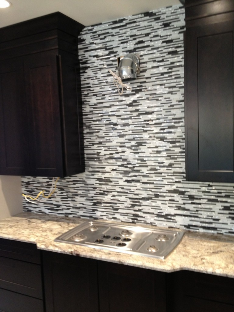 glitzy kitchen design 11