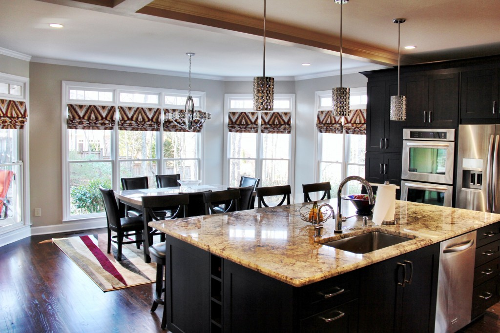 glitzy kitchen design 14