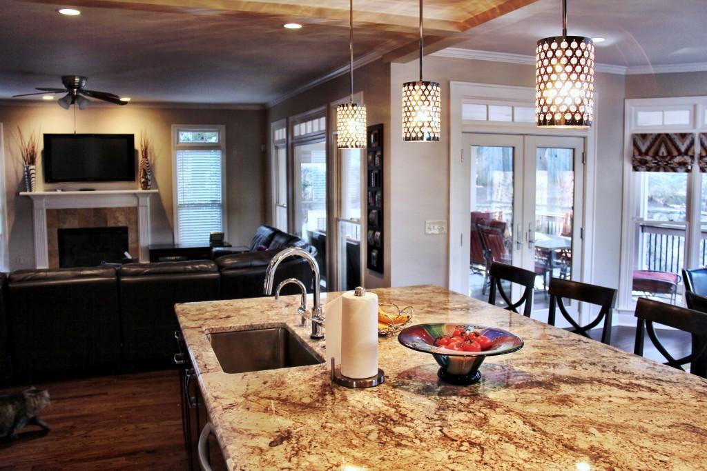 glitzy kitchen design 15