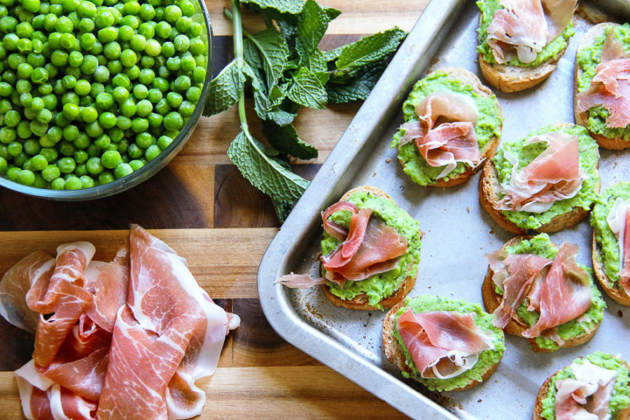 Green Pea Crostini 1