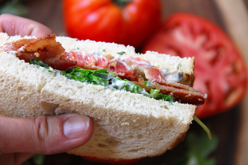 recipe for BLT with arugula