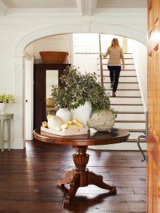 entryway fall decor 2