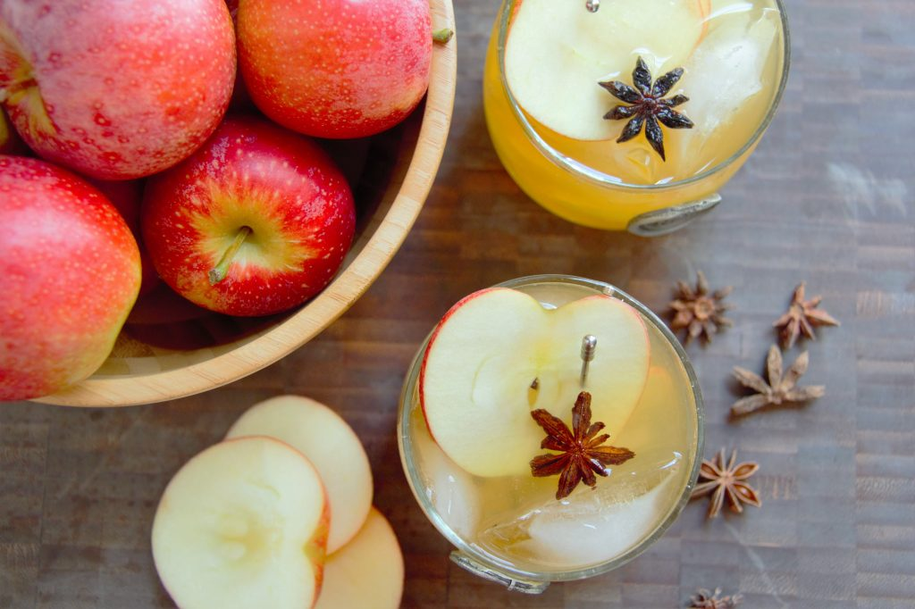 fall apple cocktails